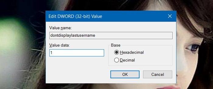 Cách ẩn tên và địa chỉ Email trên màn hình Login trong Windows 10 4