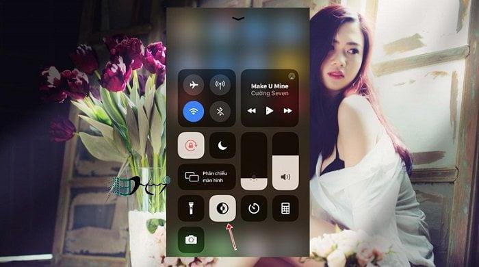 Thêm tùy chọn kích hoạt nhanh Dark Mode trên iOS 13 5
